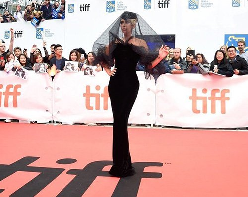 Lady Gaga Lady Gaga e Bradley Cooper incantano Toronto