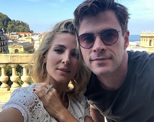 Chris Hemsworth 3 Chris Hemsworth ed Elsa Pataky, selfie di coppia a San Sebastian