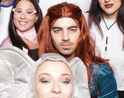 Joe Jonas 2 Joe Jonas è Sansa Starck per Halloween