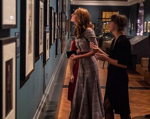 Kate Middleton 1 Kate Middleton elegantissima al V&A Museum