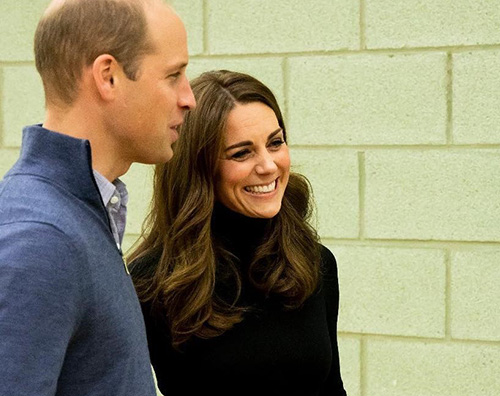 Kate Middleton cover William e Kate incontrano i giovani della Coach Core