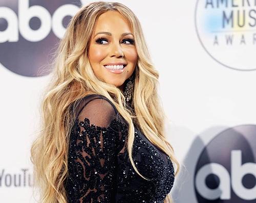Mariah Carey 2 Mariah Carey saluta lestate in bikini