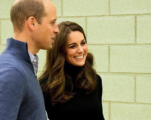 Kate Middleton cover William e Kate incontrano i giovani della Coach Core
