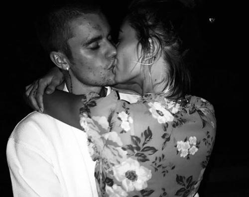 Justin Bieber Hailey Baldwin Justin e Hailey, bacio da record sui social