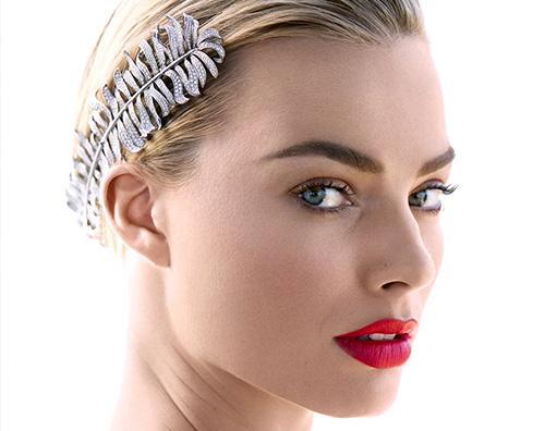 "Margot Robbie 2 Margot Robbie parla di ""Maria Regina di Scozia"" su Harper's Bazaar"