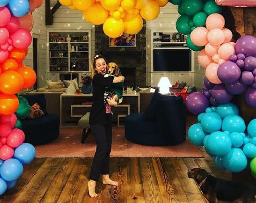 Miley Cyrus Liam Hemsworth festeggia il compleanno di Miley