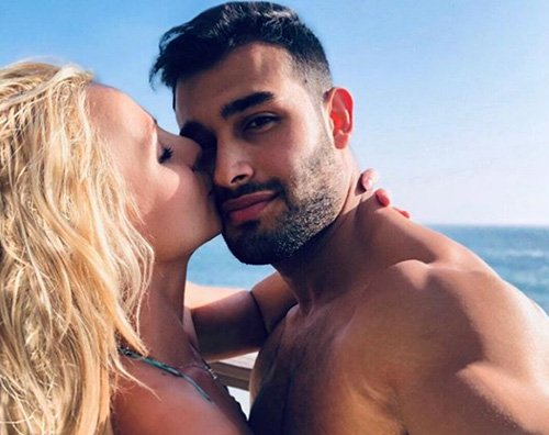 Britney Spears Britney Spears innamorata sui social