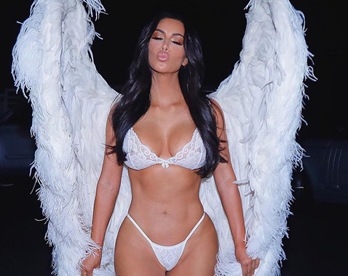 Kim K Le sorelle Kardashian e Jenner sono angeli di Victorias Secret per Halloween