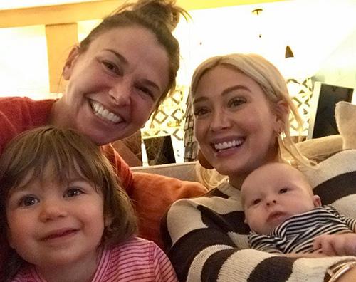 Hilary Duff Hilary Duff e Sutton Foster, pomeriggio di giochi con le bambine