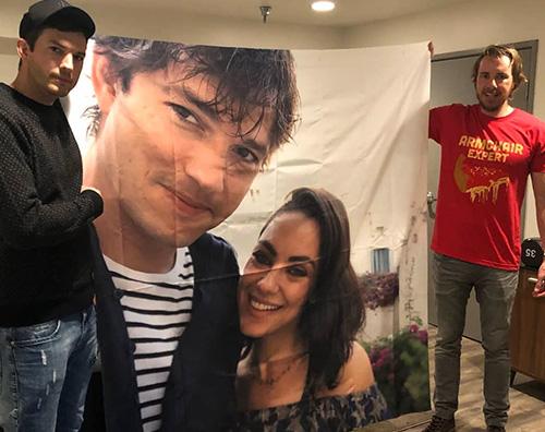 Mila Kunis Ashton Kutcher Mila Kunis e Ashton Kutcher, un regalo di Natale speciale per gli amici