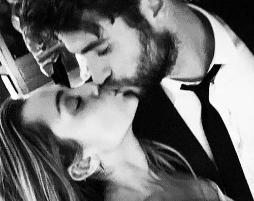 È proprio vero: Miley Cyrus e Liam Hemsworth si sono sposati