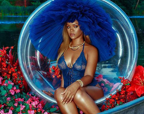 Rihanna 1 Rihanna, nuovi scatti hot per Savage X Fenty