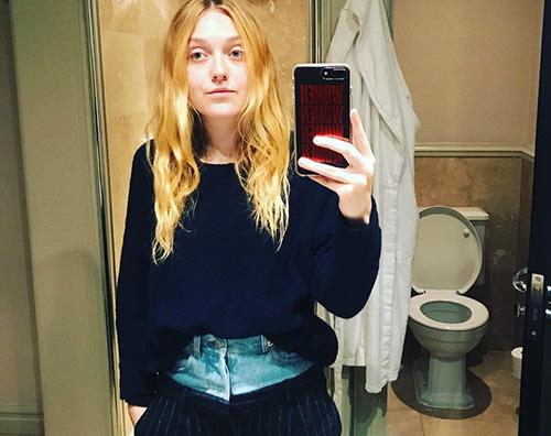 Dakota Fanning Dakota Fanning difende i suoi pantaloni su Instagram