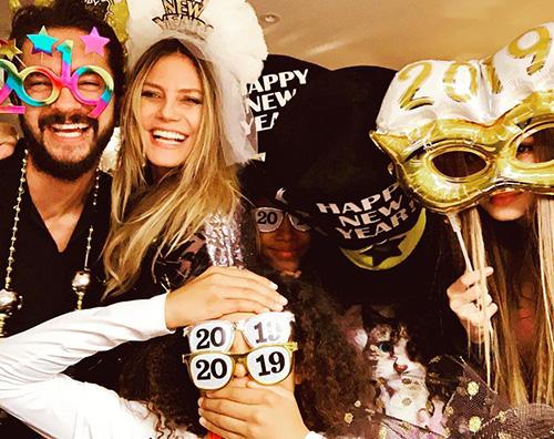 Heidi Klum Hiedi Klum accoglie il 2019 insieme a Tom