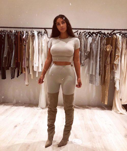 Kim Kardashian Kim Kardashian, il look da giorno è hot