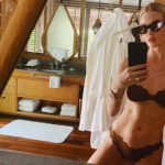 Rosie HW 2 150x150 Rosie Huntington Whiteley, bikini hot su Instagram