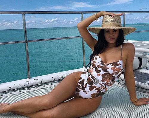 kylie 2 Kylie Jenner, una sirenetta alle Bahamas