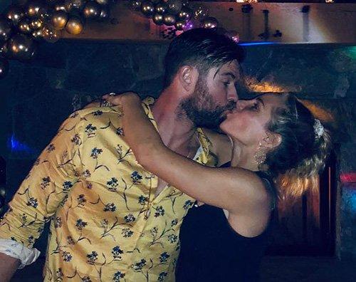 Chris Elsa Chris Hemsworth ed Elsa Patacky, Capodanno in love