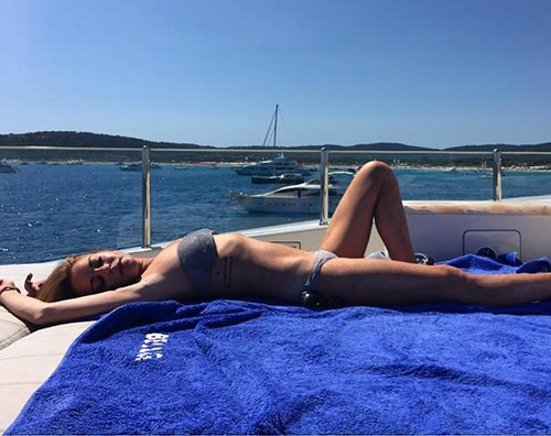 Lindsay Lohan 1 Lindsay Lohan ancora al mare