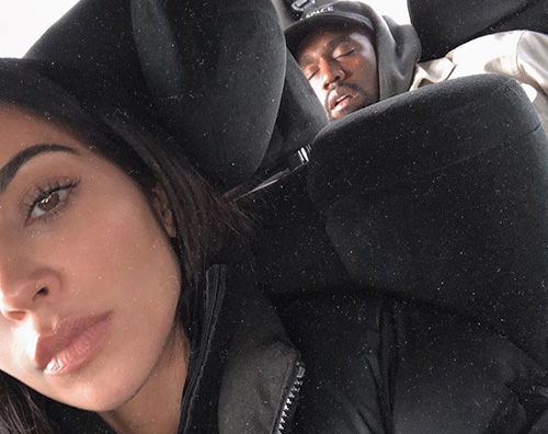 Kim Kardashian Kanye West Kanye West si addormenta in auto