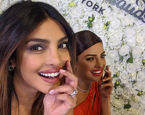 Priyanka chopra 2 Priyanka Chopra è una statua di cera al Madame Tussauds di NY