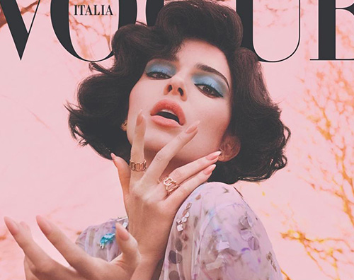Kendall 2 Kendall Jenner si spoglia per Vogue Italia