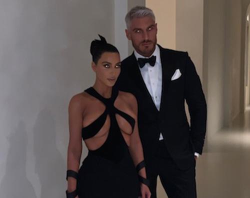 Kim Kardashian Kim Kardashian, lultimo look è super sexy