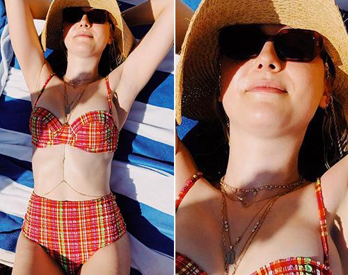 Dakota Fanning Bikini retrò per Dakota Fanning