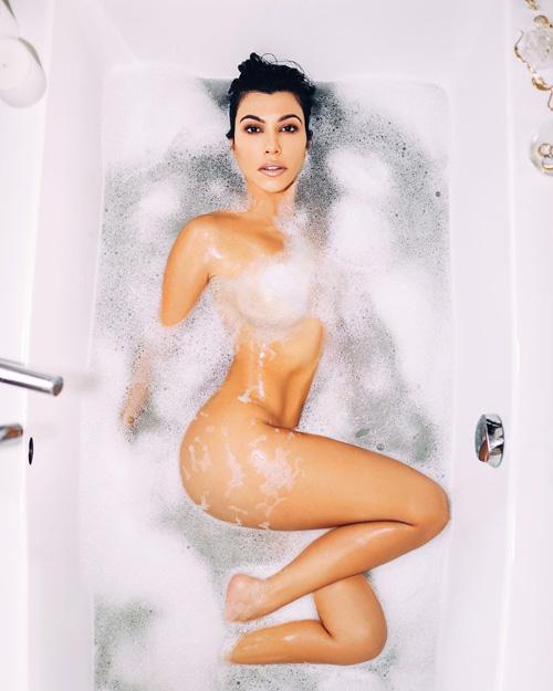 Kourtney Kardashian 2 Kourtney Kardashina su Vogue Bellezza Messico