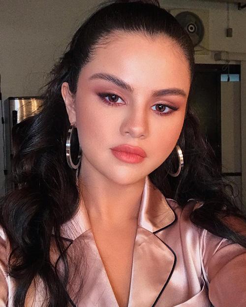 Selena Gomez Selena Gomez lancia il suo nuovo singolo