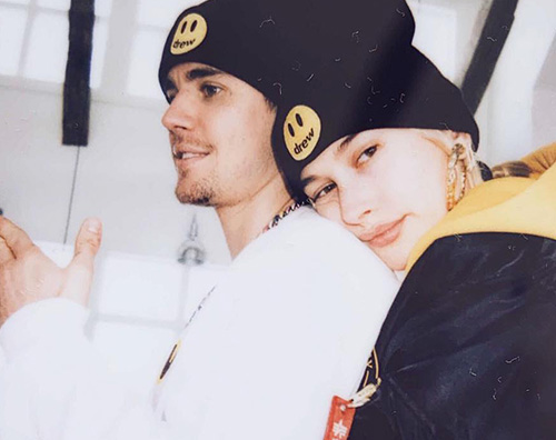hailey baldwin 1 Justin Bieber difende il suo matrimonio con Hailey
