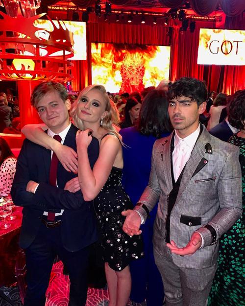 GOT Sophie Turner e Joe Jonas si divertono alla premiere di GOT