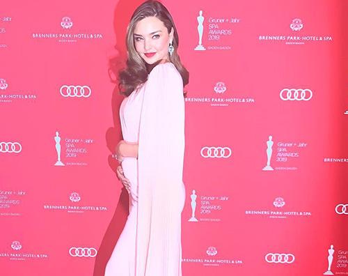 Miranda Kerr Miranda Kerr è incinta