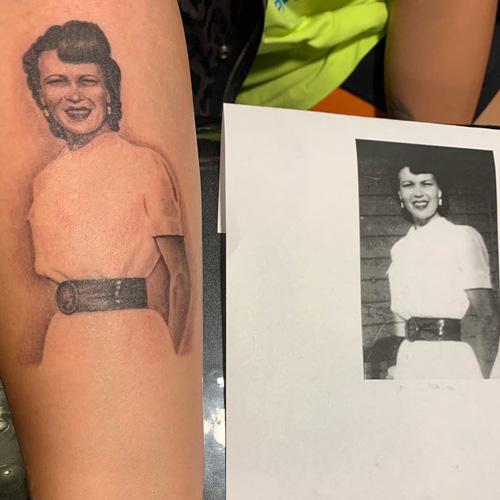 Demi Lovato Demi Lovato ha un nuovo tatuaggio