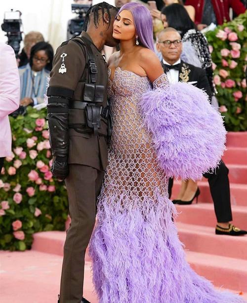Kylie Kylie e Kendall Jenner, due sirenette al Met Gala 2019