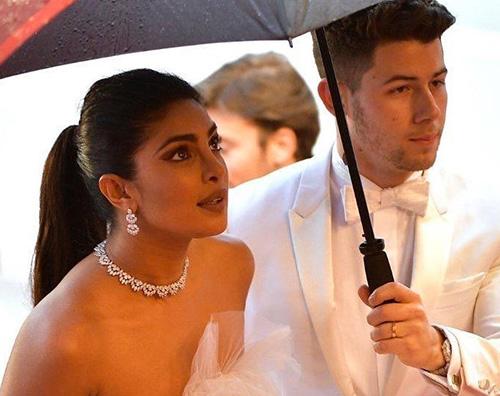 Nick Pri 2 Nick Jonas e Priyanka Chopra incantano a Cannes