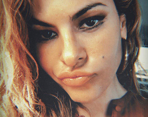 eva mendes Eva Mendes, un selfie per Kate Hudson