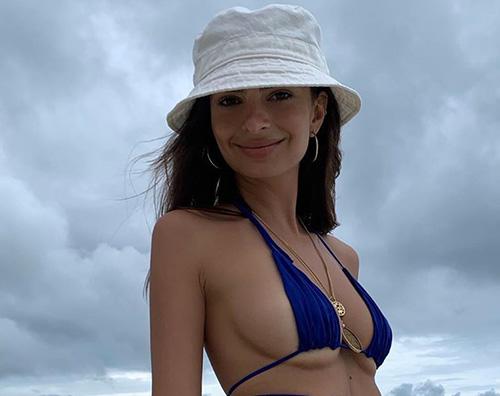 emily ratajkowski 1 Emily Ratajkowski, bikini rovente su Instagram