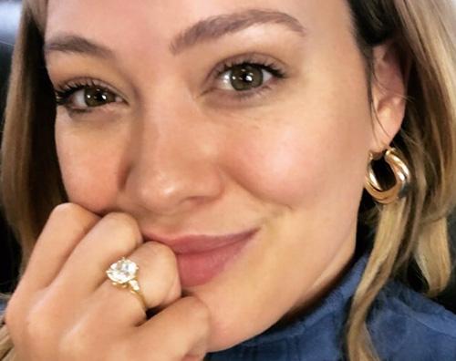 hilary duff Hilary Duff mostra il suo anello sui social