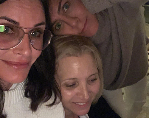 jennifer aniston couteney cox lisa kudrow friends Jennifer, Courteney e Lisa di nuovo insieme su Instagram