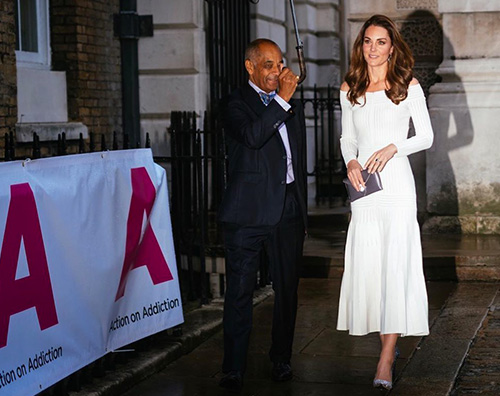 kate middleton 1 Kate Middleton, linea al top alla cena di gala