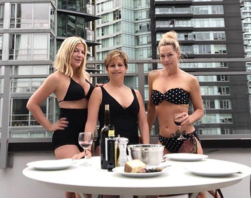 tori jennie gabrielle Tori Spelling, Jennie Garth e Gabrielle Carteris, amiche sul set di Beverly Hills 90210
