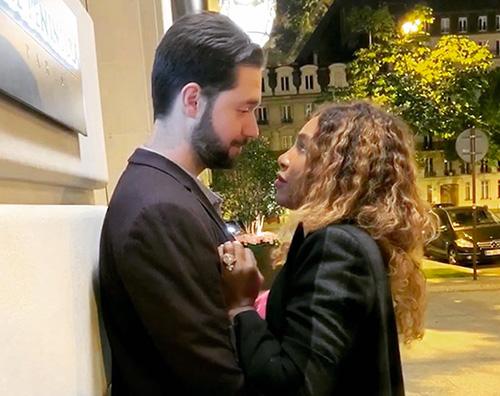 Serena Williams Serena Williams romantica a Parigi con Alexis