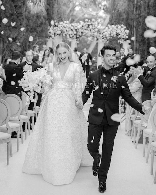 64888215 320822295462958 3066084774789347853 n Joe Jonas e Sophie Turner, il primo scatto ufficiale delle nozze