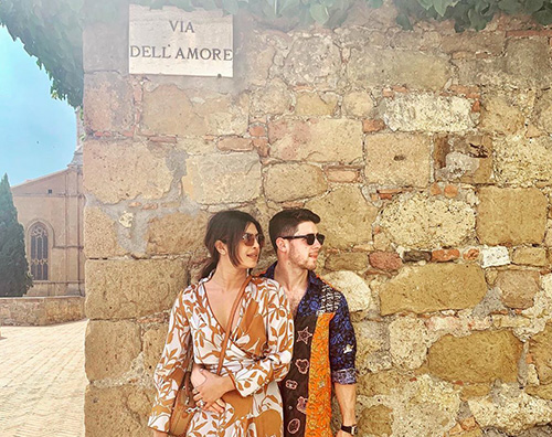 Nick Jonas e Priyanka Chopra Nick e Priyanka romantici in Italia