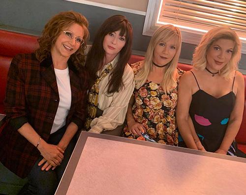 bh 90210 Le ragazze di BH 90210 ci regalano un salto nel passato