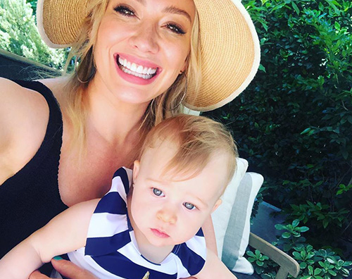 hilary duff 2 Hilary Duff in piscina con Banks