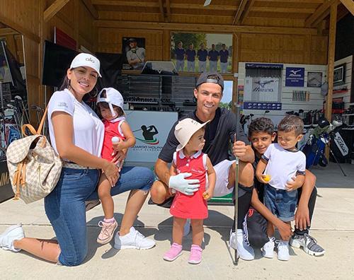 cristiano ronaldo  Cristiano Ronaldo, relax in famiglia