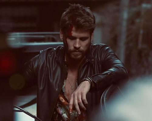 liam Liam Hemsworth ritorna su Instagram dopo laddio a Miley