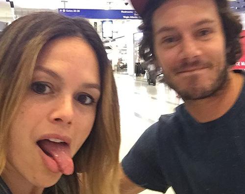 rachel bilson adam brody Rachel Bilson e Adam Brody, reunion al LAX